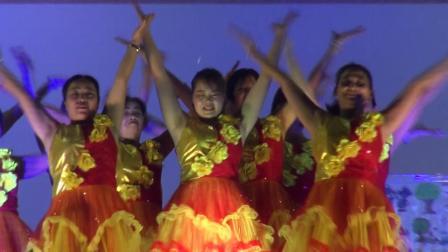 8.舞蹈:爱我中华 表演者:丰彩舞蹈队