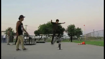街头少年的酷炫滑板集锦