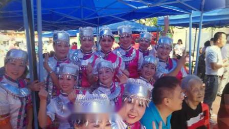 海口市群众艺术文工团舞蹈二队演出留影