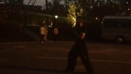 晚上健身锻炼