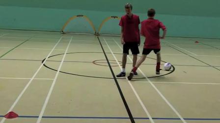 足球1对1停球 变速过人动作教学