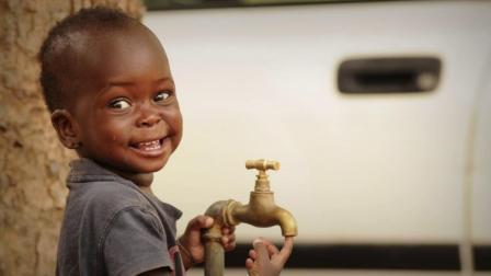 彰显提供用水的国际合作