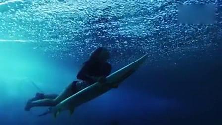 水之乐章 涌动的碧蓝之海 .