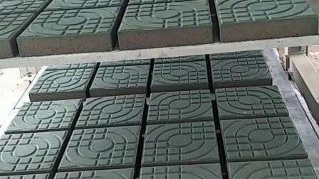 河南万铭西班牙路面植草砖机生产厂家