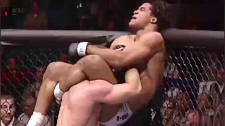 世界上最为残酷的格斗比赛UFC!10大历史最令人震撼的KO!