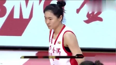 女篮总决赛:八一队被打得叫暂停,主教练脾气很大啊,感觉很可怕