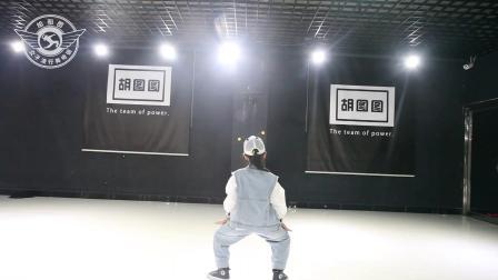菲菲宝贝舞蹈个人秀  胡图图女子流行舞