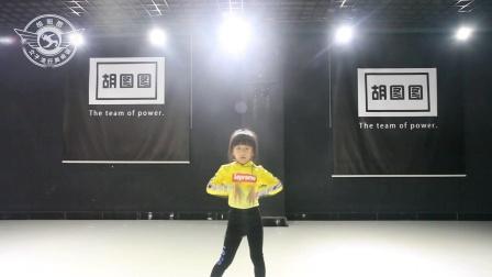 徐欣佳怡宝贝舞蹈个人秀  海城胡图图女子流行舞