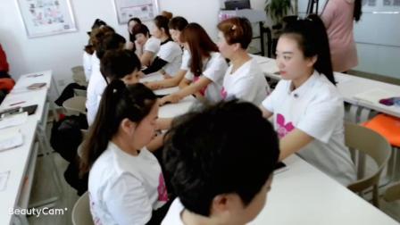 哈尔滨催乳师培训机构,看看爱月宝的学员太厉害啦