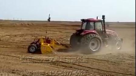 卫星激光平地机工作视频 土壤整平刮平机 黑龙江内蒙青海土壤开荒机