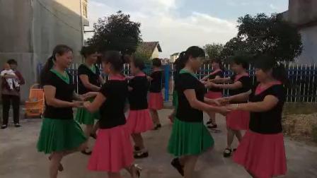 石鼓舞队团队双人舞《乌来山下一朵花》