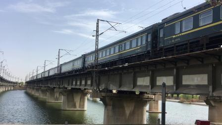 陇海线 K378次通过西安枢纽灞河铁路桥 去窑村方向