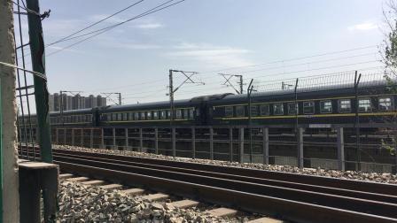 陇海线 K84次通过西安枢纽灞河铁路桥,去窑村方向