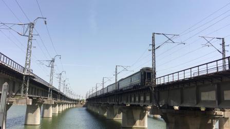 陇海线 Z274次通过西安枢纽灞河铁路桥,去窑村方向