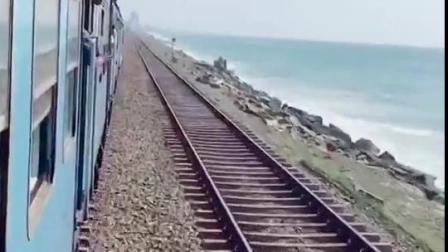 第一次见 海上火车🚄 太美啦!你喜欢吗😘