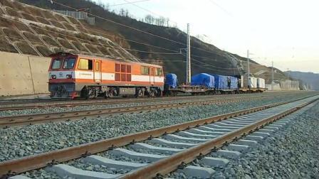 蒙华铁路卢氏站火车来了
