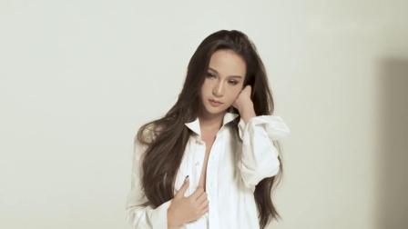 白色衬衫诱惑 小姐姐拍摄性感大片