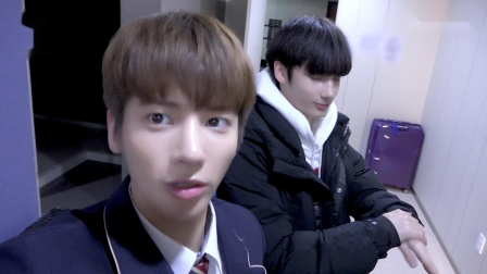 [T:TIME] TAEHYUN's Self-Cam! Time to go to school! - TXT