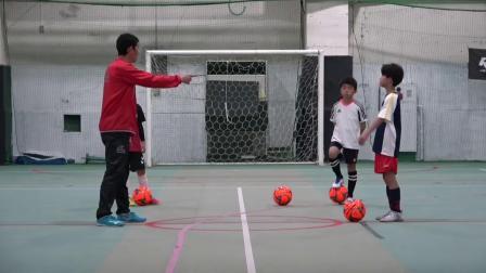 日本足球青训教练教授 抢球技术和意识的培养