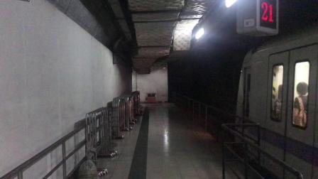 广州地铁2号线A4老鼠(02x007-008)越秀公园出站