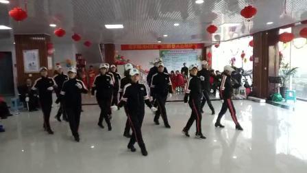 东营市河口区黄河广场鬼步舞业余健身队