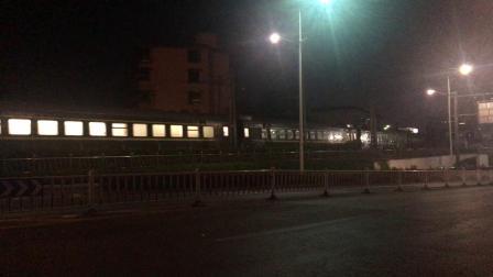 沪昆绕行线 K2905次通过萧山西站(萧山城区西山弯道曲线半径296,限速67)