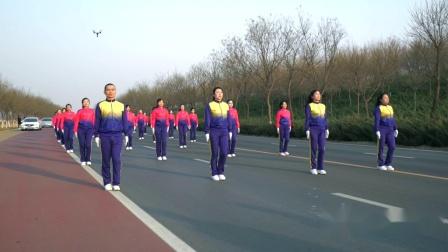 中国时光健身队演绎佳木斯快乐舞步健身操-2mp4-1080p