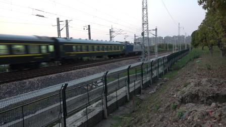 K5790次通过沪昆线沪杭段K181+911KM处乔司机务段旁 HXD1B0574