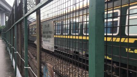 HXD1C-0805牵引25G通过小北童心桥