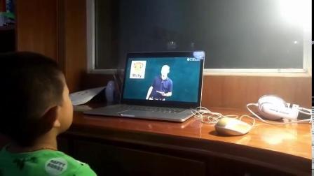 小朋友在家看TK外教视频