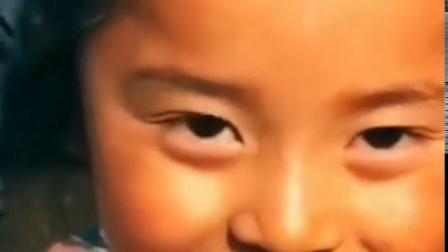 6岁小男孩撞脸杨幂 撩头杀动作?#30830;?#32593;友
