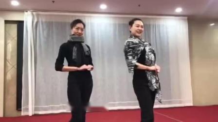 旗袍秀手位练习1
