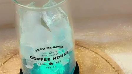 梦幻星空分层渐变饮料十大品牌培训机构。沈阳魔厨。