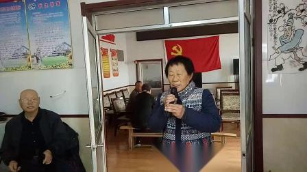 刘家寨民乐剧社票友李女士演唱