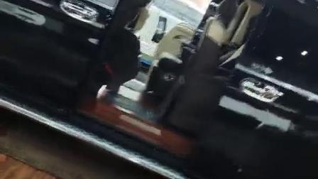 宇通客车定制的商务车