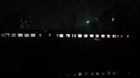 沪昆绕行线 K807次通过萧山西站去萧山方向,侧进直出限速75
