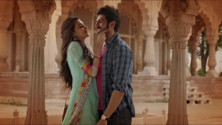 LUKA CHUPPI - LYRICAL - Photo - Kartik A, Kriti S, Karan S, Goldboy