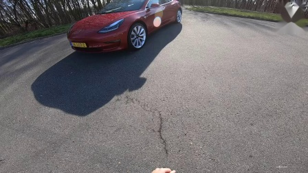 TESLA Model 3 PERFORMANCE 247km-h