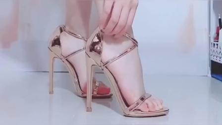 美女脚模的日常:时尚细跟的高跟鞋,全网最好看的鞋子了!