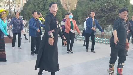 城中区人民广场锅庄