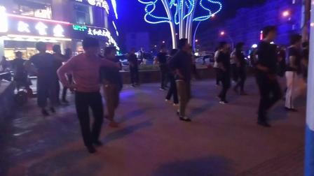 广场舞大妈们