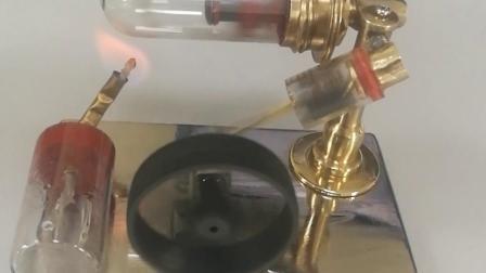 自制微型自由活塞斯特林发动机模型