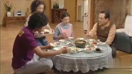 加油金顺:金顺讨好婆婆,煮锅巴汤公公夸真好喝,婆婆连看都不看