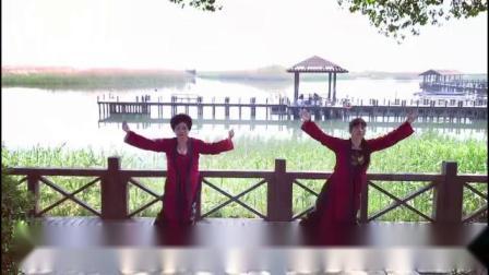 荡漾在春色里的岁月🌹 游龙姐妹太湖留倩影🌹