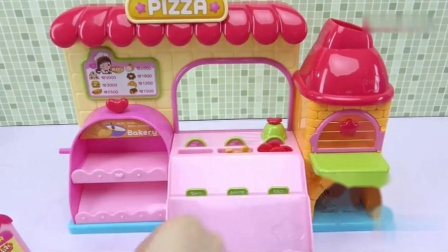 小猪佩奇的彩泥披萨店,朵朵做了蛋糕,看上去好好吃呀!