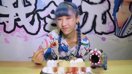 【草莓奶油蛋糕面泡面】这么粉嫩甜蜜层层叠叠的泡面,就是适合可爱的男孩子呢