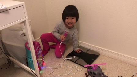 20190105爱玛4岁半唱着自编歌可高兴了