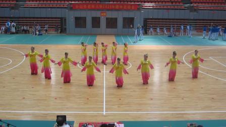 广西合山市老年大学校运会舞蹈班表演风筝误