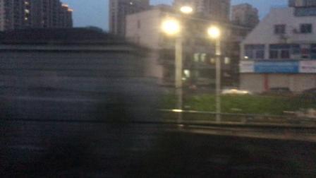 沪昆绕行线 K102次通过杭州萧山老城区以及萧山西站,直至出萧山地界进入杭州市滨江区