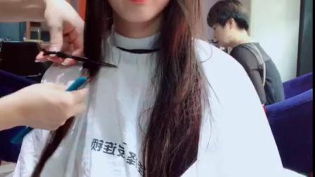 🙏感谢专门从遂宁过来的小姐姐支持,头发太长毫无形状,今天必须美美哒、今日送上减龄型韩系懒卷➕抹茶绿造型